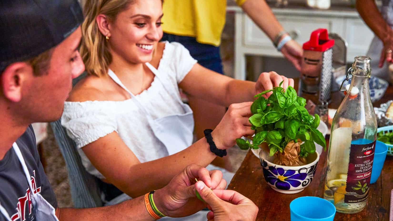 Students making pesto in Italy