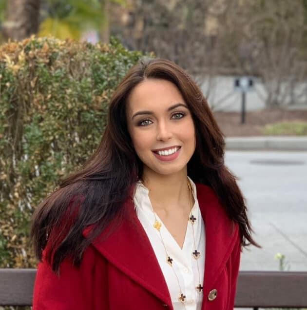 Siobana Navarro headshot.